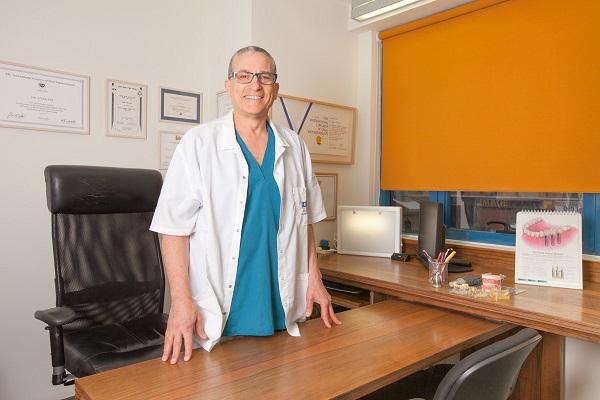 """ד""""ר איתן בר - רופא שיניים בבאר שבע"""